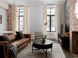 Chic Studio in Old Montreal by Sonder