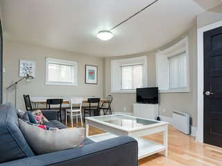 Bohemian 5BR in Downtown Montréal by Sonder