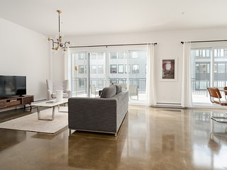 Penthouse 2BR in Old Montreal by Sonder