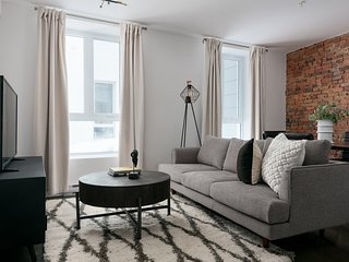 Grand 2BR in Old Montreal by Sonder