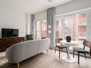 Desirable 1BR in Quartier des Spectacles by Sonder