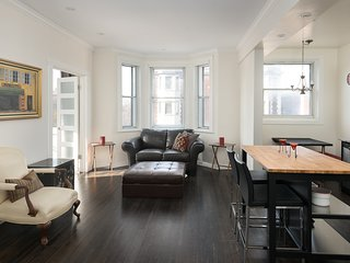 Architectural 2BR in Mile End by Sonder