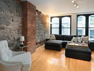 Grand 1BR in Old Montreal by Sonder