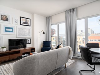 Beautiful 1BR in Quartier des Spectacles by Sonder