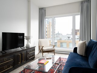 Sleek 1BR in Quartier des Spectacles by Sonder