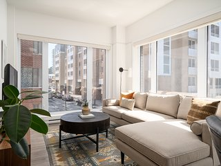 Vibrant 1BR in Quartier des Spectacles by Sonder