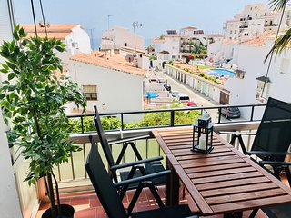 Wonderful apartment in the Parador area with sea views, free wifi and nice pool!