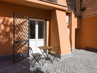 Sunny Studio in San Pietro / Vaticano by Sonder