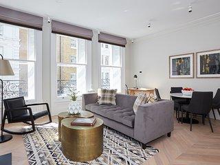 Sonder | King Street | Luxurious 1BR + Laundry