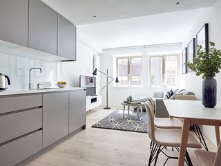 Contemporary 1BR in Oxford Circus by Sonder