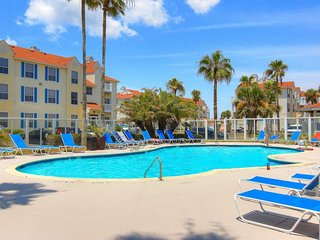 Dog-friendly condo w/ shared pool & hot tub - one block to the Gulf!