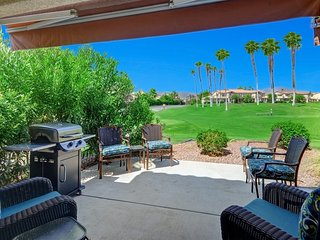 Palm Royale Home On Golf Course W/ Mountain Views
