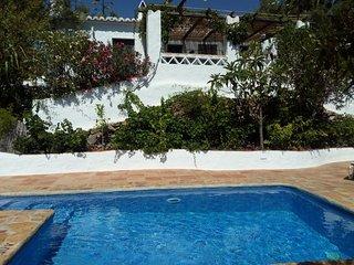 Casa de campo típica andaluza a 6 km de Frigiliana y 12 km de las playas y Nerja