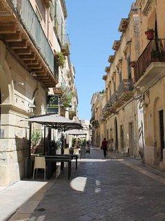via Palmieri (strada caratteristica di Lecce) a 30 metri da casa