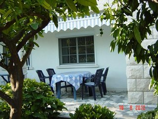 Two bedroom apartment Viganj, Pelješac (A-15341-a)