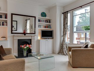 2bed, 2bath Victorian Clapham house 10mins to tube