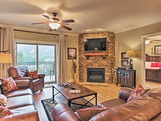 NEW-Downtown Gatlinburg Condo w/Pool Access & Deck