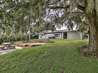 Historic Lakefront Lake Wales Bungalow on 5 Acres!