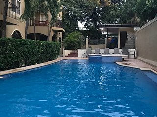 Renovated Spacious Condo a Short Walk to the Beach with a Beautiful Pool
