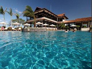 Casa Oceana- 8 Bedroom Luxury Home, Breakfast Included!