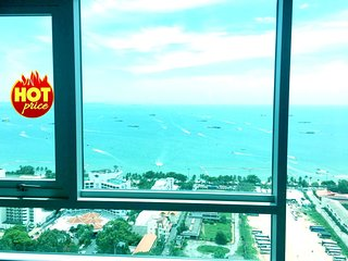 1 BR Front Sea View in Pattaya 100 meters to Beach