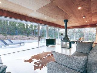 SeaSalt Beach House: architecturally designed
