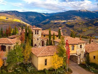 Gorgeous Italian-inspired estate in Cordillera, mountain views,  - Il Podere