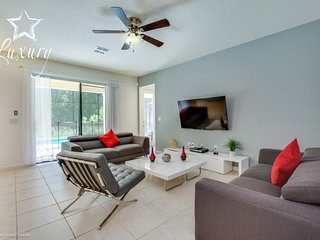Lovely 7BR 6Bth Veranda Palms home with 5 Ensuites, Private Pool and Spa