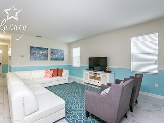 6BR 6Bath Champions Gate Home with Private South Facing Pool/Spa and Gameroom