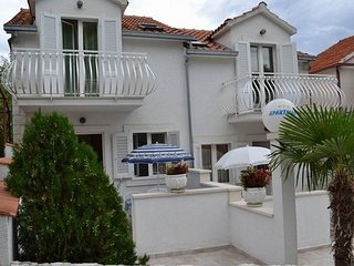 Two bedroom apartment Sutivan (Brac) (A-16097-a)