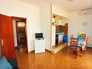 One bedroom apartment Sutivan, Brač (A-16099-b)
