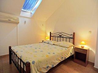 Two bedroom apartment Sutivan, Brač (A-16097-b)