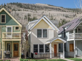 Spacious home beautiful interior in the heart of Telluride