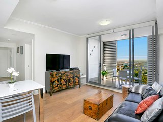 Modern Spacious St Leonard's 2BR w/ Views SL001