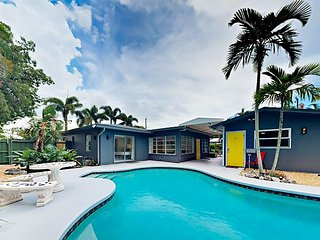 Tropical Triplex 4BR w/ Private Pool - Walk to Eateries, 4.5 Miles to Beach