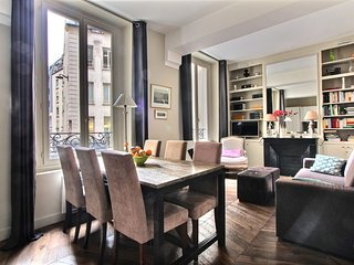 Comfortable 2 BD/2BTH at Saint Germain des Pres