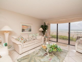 Direct Ocean Front 3rd Floor Condo in Downtown Cocoa Beach with Free Wi-Fi