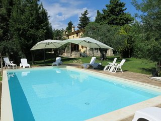 5 bedroom Villa in Mandrelle, Abruzzo, Italy : ref 5657262