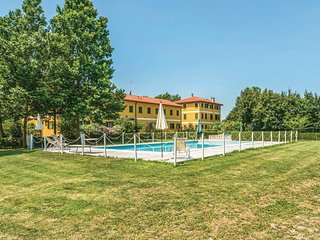 2 bedroom Apartment in Sindacale, Veneto, Italy : ref 5567002