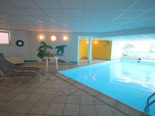 Villa Lenno con piscina coperta
