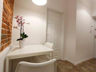Penguin Rooms 01210