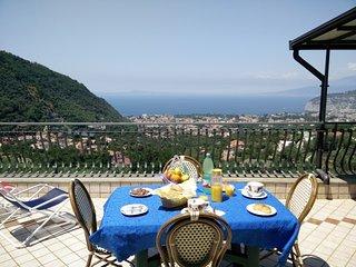 Private sea-view terrace on the hills of Sant'Agnello di Sorrento