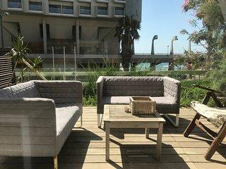 Green Gordon Beach Apartment