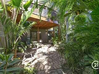 1/23 HILL - SUNSHINE BEACH VILLA - Pet friendly and great location!
