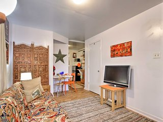 NEW! Cozy Garden-Level Apt - Walk to Charles Town!