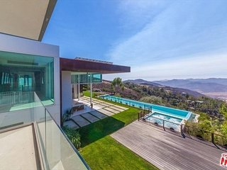 Stunning One of a Kind Property-Private Art Gallery, Amazing Views,Events OK!