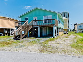 The Gulf's Secret Four / 4BR 2BA Duplex / 2 Blocks From The Beach!