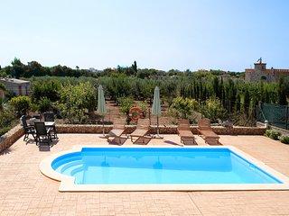 Villa Golden Olive, Con Piscina rodeada de Olivos