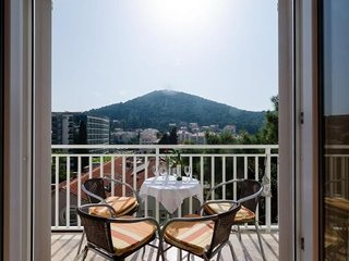 Spacious apartment in Dubrovnik with Parking, Internet, Washing machine, Air con