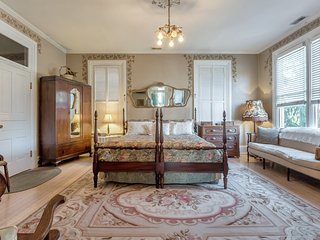 Ellerbeck Mansion Bed & Breakfast - Autumn Winds Room